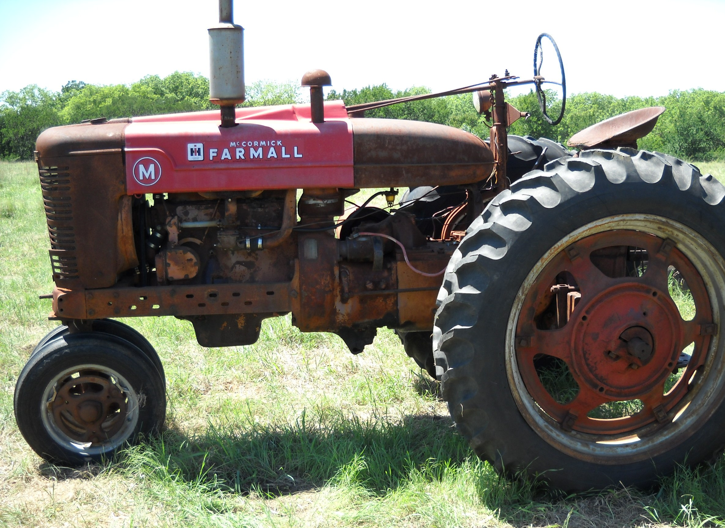 A International Farmall M 1952 Antique Tractor