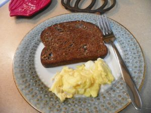 scrambled-egg-toast